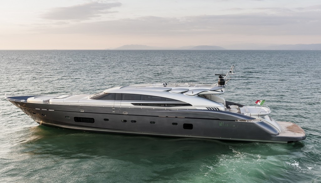 1400x800 yacht2
